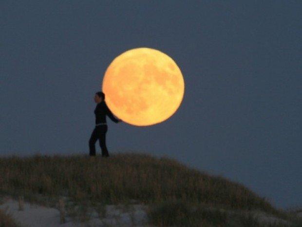 10 Creative Setting Sun & Moon Photography - ChurchMag