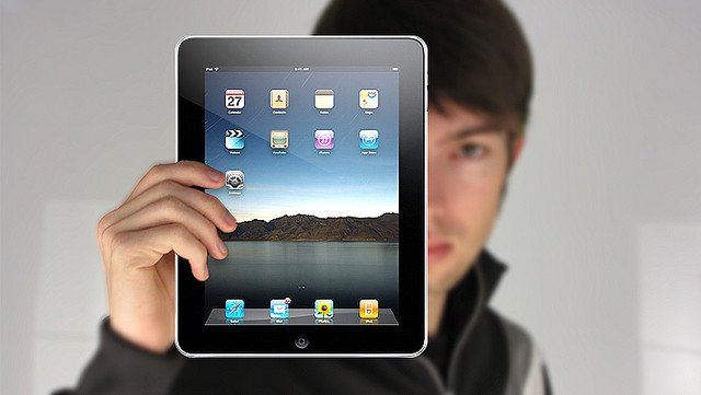 The New iPad: Who's Gonna Buy It? [Infographic]