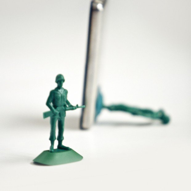 iphone army men man stand