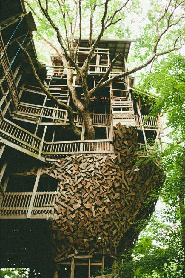 100ft minister's Treehouse