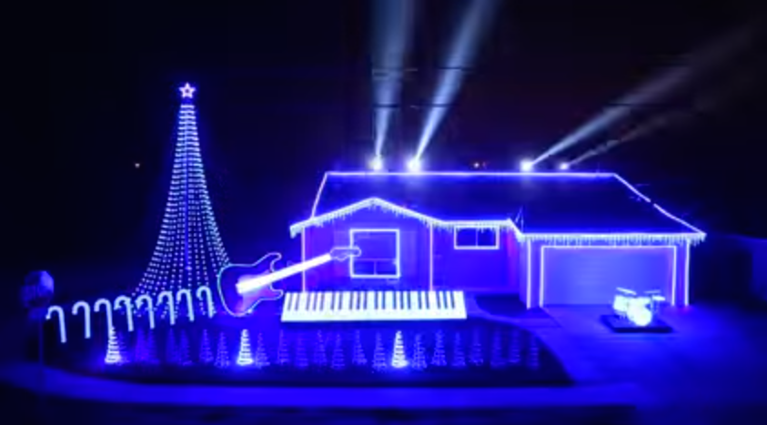 EPIC Star Wars Christmas Light Show [Video]