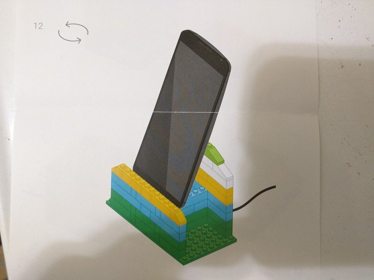 Lego project fi phone stand image 7